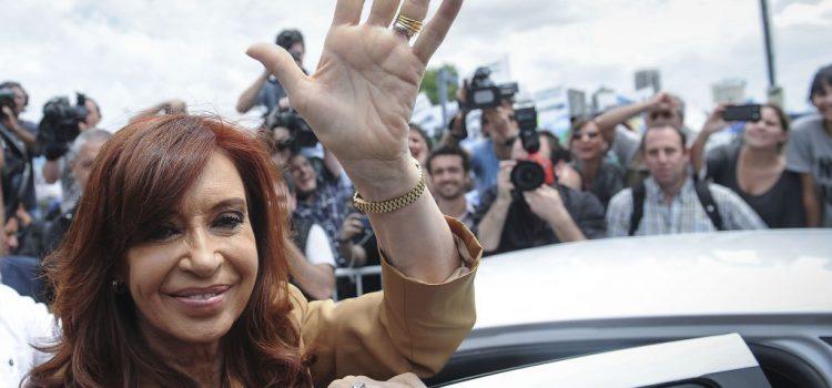 Cristina aprovecha el desgaste del gobierno y el PJ no K junto a Massa siguen fuera del ballotaje