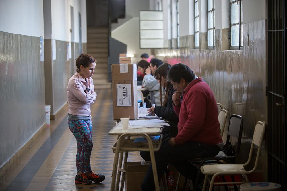 Elecciones PASO 2017 en Córdoba. Escuela MAriano Moreno en Santa Fe y Rioja.