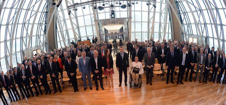 El relato de la presidencia Macri nace con apoyo de los gobernadores del peronismo