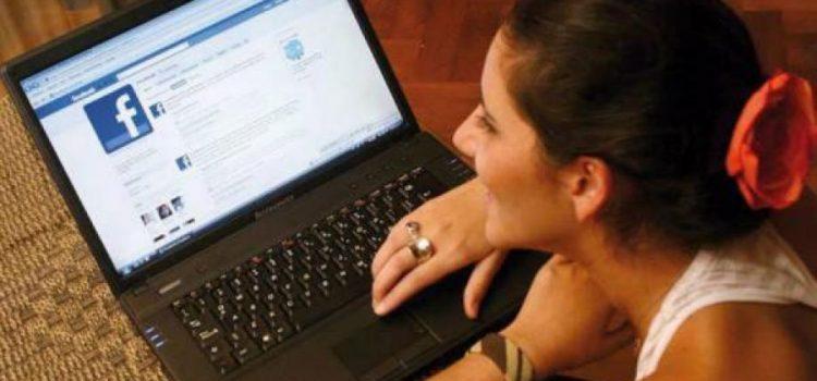 Siete de cada diez menores de 35 años se informan de la campaña electoral por las redes sociales
