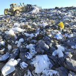 Los cordobeses producen todos los días 4 canchas de fútbol x 1 metro de alto de basura