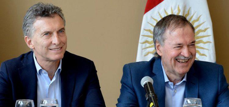 Macri no para de dictar decretos y Schiaretti suma kilómetros en su plan de retener Córdoba