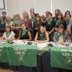 Sólo 4 cordobeses entre los 71 que firmaron el proyecto para despenalizar el aborto