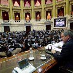 Tarifazos de luz y gas: la oposición logró aprobar el proyecto que liga los aumentos a los salarios