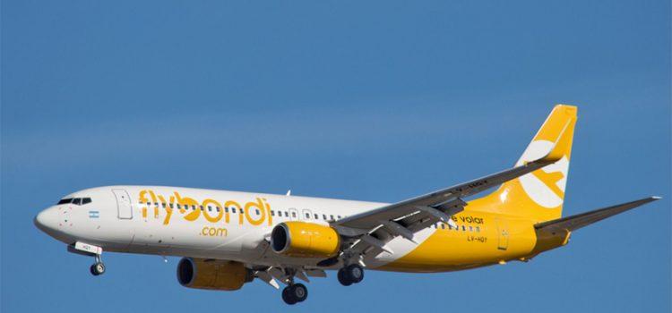 Atalo con alambre: FlyBondi no tiene técnico en Neuquén y el piloto tuvo que arreglar una falla