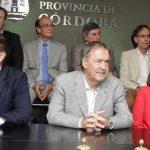 Schiaretti pidió que el proyecto anti-tarifas no salga y Llaryora igual firmó el dictamen