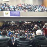 El gobierno busca el apoyo de Cambiemos y el gremio llama a una marcha contra el tarifazo