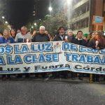La marcha de las velas paralizó el centro y hoy habrá una protesta contra el Fondo