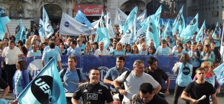 Paran los docentes y camioneros y habrá una marcha desde las 10 con apoyo de Luz y Fuerza