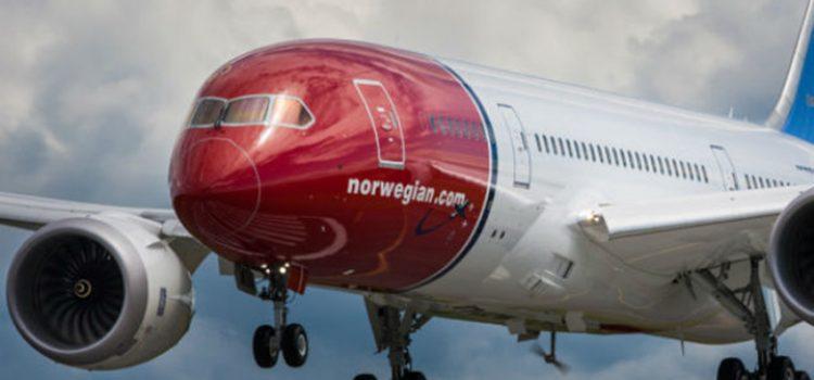 """Schiaretti le dio beneficios a Norwegian, una """"low cost"""" que por ahora sólo tiene planes"""