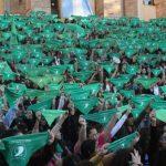 La mayoría de los argentinos siguen siendo pro-abortistas, pero creció el grupo de los que están en contra
