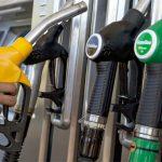Petroleras no abastecen a las estaciones sin marca y hay cupos para las oficiales