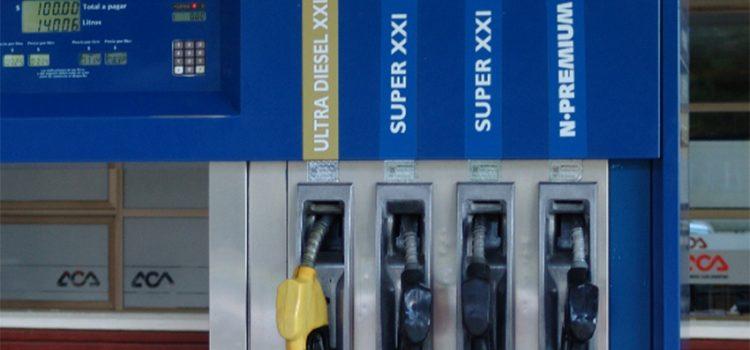 Combustibles: el precio del gasoil registra un atraso de 24,8% y el de la nafta premium un 22,6%