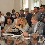 Los gobernadores del PJ pedían 20.000 millones por el Fondo Sojero y arreglaron por 4125