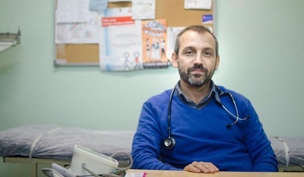 Omar Sued, uno de los médicos que asesora al presidente, dice que ...